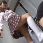 【金蹴り】可愛い顔したドS女子校生。制服白ハイソで金玉蹴りまくり狂乱のツンデレ足責め