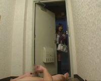 【センズリ鑑賞】ドアを開けた瞬間から始まるセンズリ鑑賞