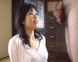 【センズリ鑑賞】センズリチンポを勝手にペロ舐めした挙句、センズリをオカズにオナニーし始めたエロ妻