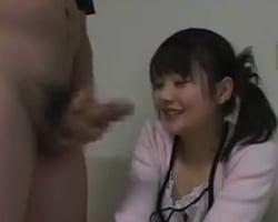 【センズリ鑑賞】「オチンチン好きですw」堂々とチンポ好きを公言する20歳の女の子がセンズリ鑑賞会に積極的に参加