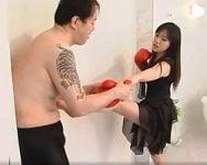 【殴打】輩M男を完全に戦意喪失させた美痴女が怖すぎる件www