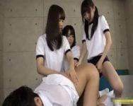 【ペニバン責め】男子生徒に絶対服従を強要するフリーダム学園女子生徒会【集団痴女】