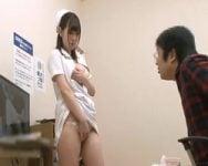 【センズリ鑑賞】「これで射精出来そうですか…?」不妊治療で訪れた男性の採精が上手く行かず、自らセンズリのオカズになってくれた優しい看護婦さん
