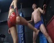 【女王様】武闘派女王様vs変態M男のデスマッチ!金蹴り、踏みつけ、足コキ、圧倒的実力差で女王様の圧勝www
