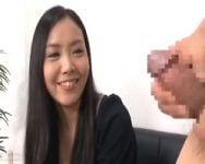 【センズリ鑑賞】「いいですね…♡」生の萎えチン見るだけでニヤニヤw最近ご無沙汰な人妻にセンズリチンポを見せてあげた結果www