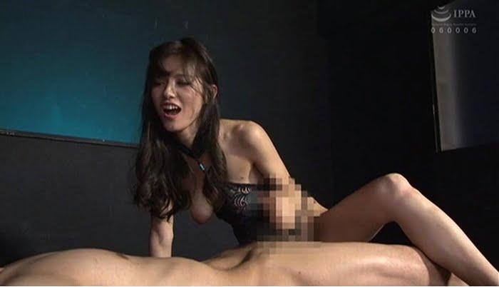 足コキ&亀頭責めで足フェチⅯ男を男の潮吹きさせる熟女 武藤あやか その17