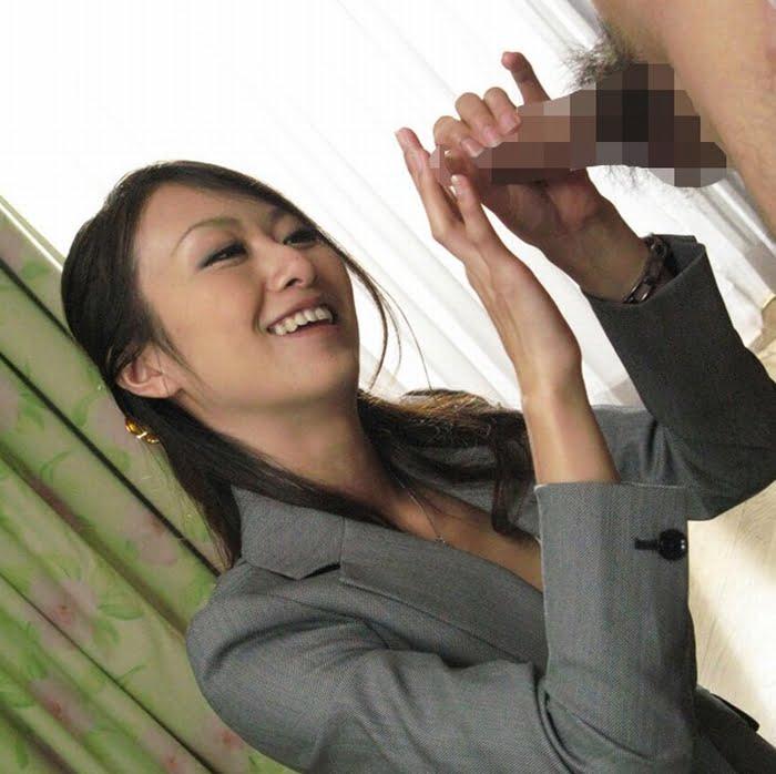 【男の潮吹き】オナ禁チンポを豪快手コキ&射精直後の亀頭責め! 青木玲 その4