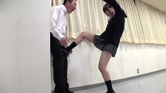 ドS教師が教える金蹴り護身術 その11