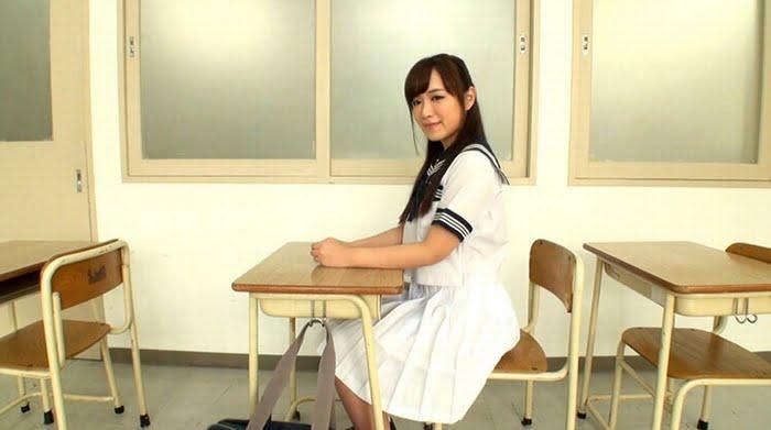 キモエロ担任を金蹴りと足コキで返り討ちにした女子校生 その2