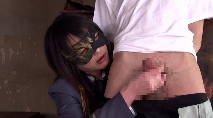 暴発したチンポを手コキ拷問で男の潮吹きさせる痴女 その11